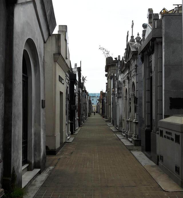 A walkway in Recoleta Cemetery