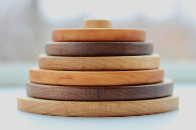 Stacking wooden toy thingy